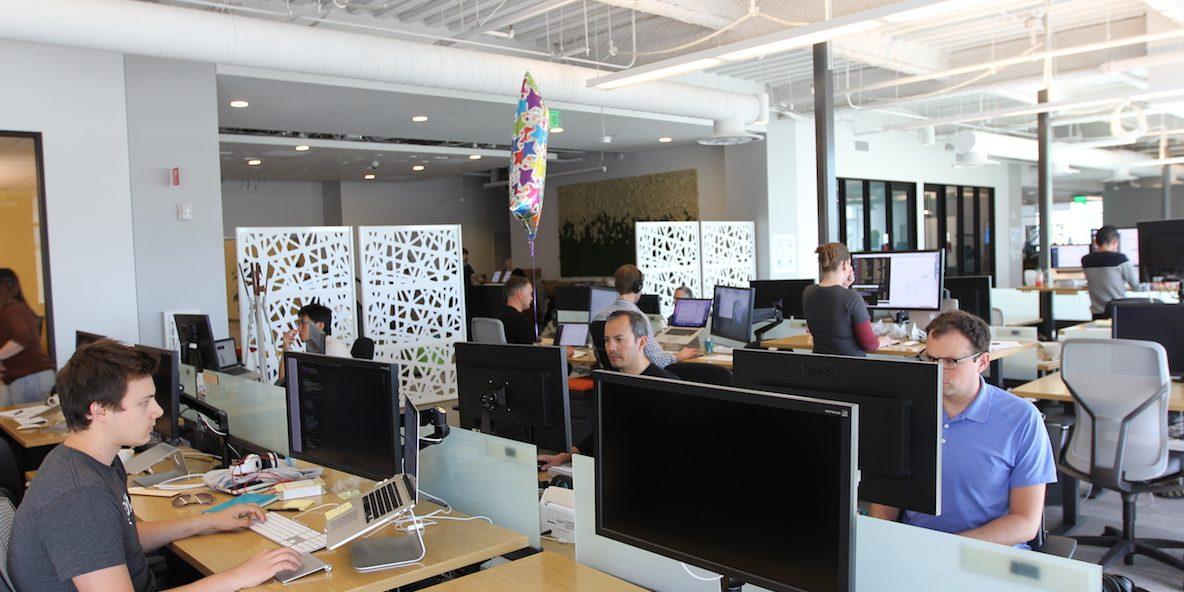 วิธีแก้ฮวงจุ้ยนั่งใต้คานในที่ทำงาน